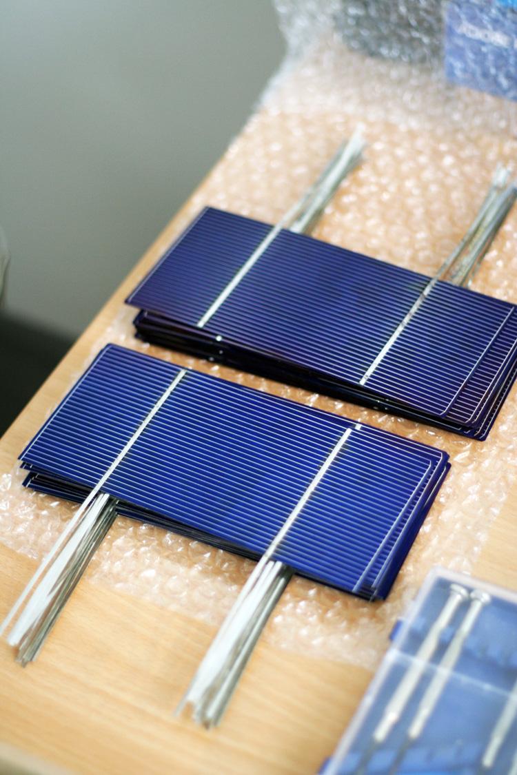 Sběrnicové pásky na fotovoltaických článcích - komplet