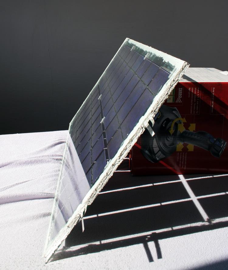 První testování mého solárního panelu na slunci